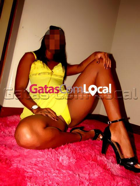 Jully-gatas-com-local-02 Jhully