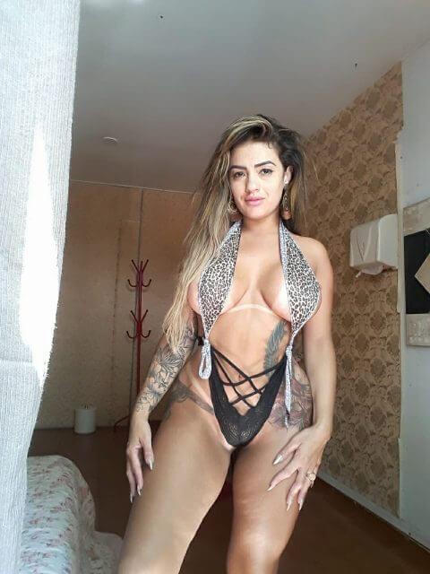 Sandrinha Mello
